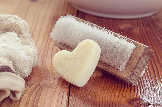 爪ブラシと石鹸