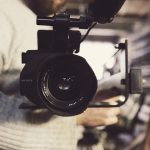 撮影する人