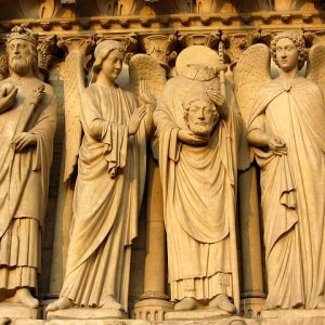 ノートルダム寺院の石像