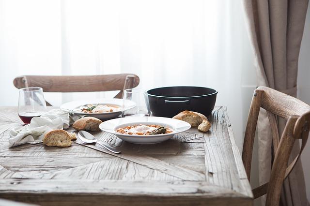 食卓の料理
