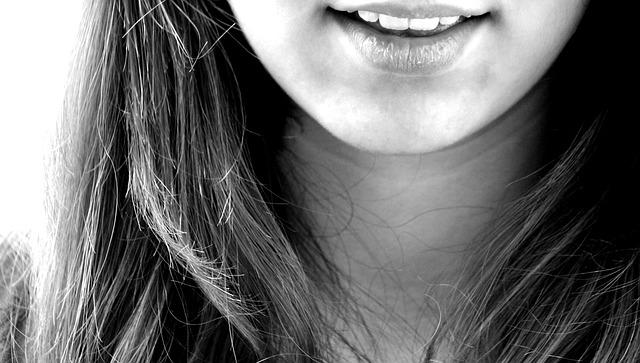 女の子の綺麗な歯
