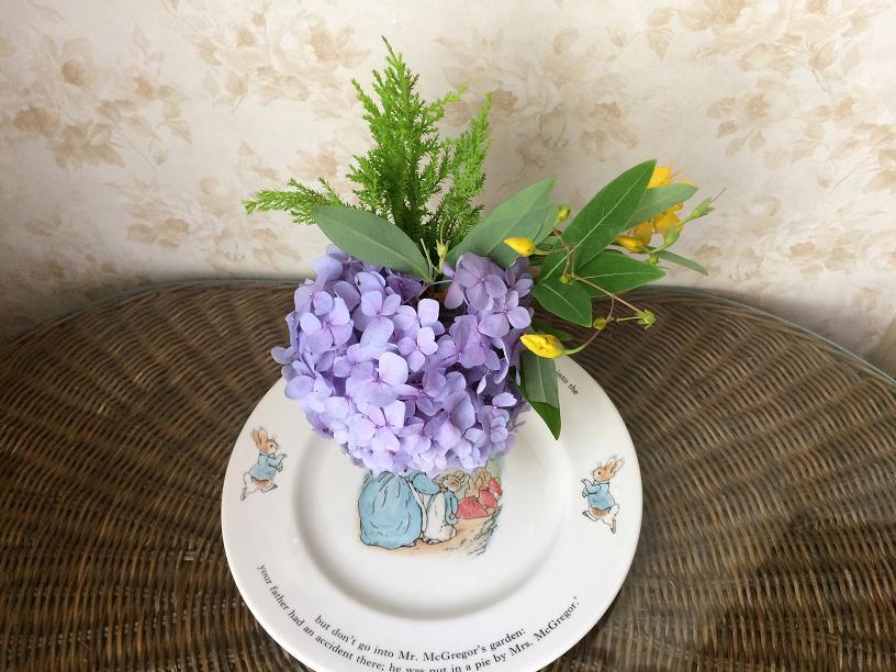 あじさいのテーブルの花