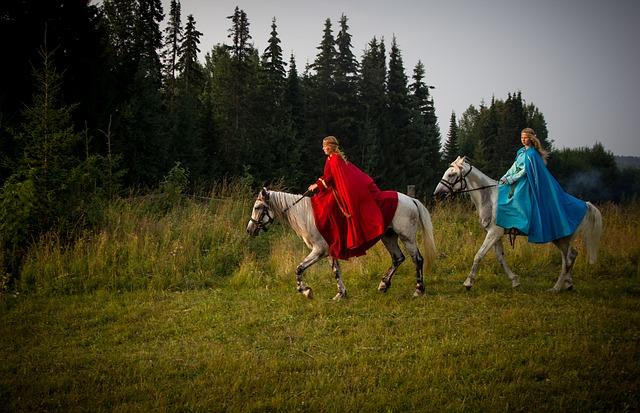 馬に乗る二人の少女