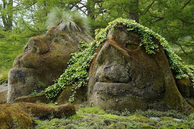 トロールの岩