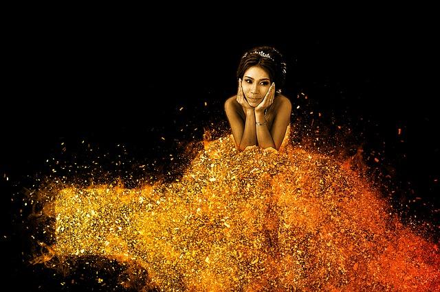 黄金のドレスの女の人