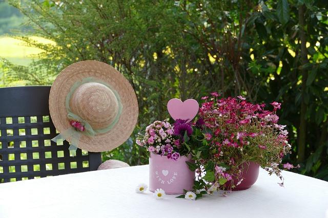 小さいテーブルの花