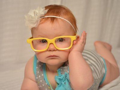メガネの赤ちゃん